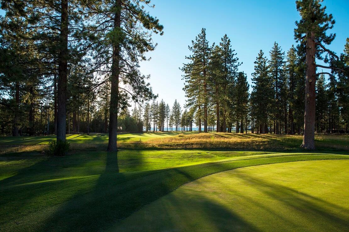 Idyllischer Golfplatz am Lake Tahoe
